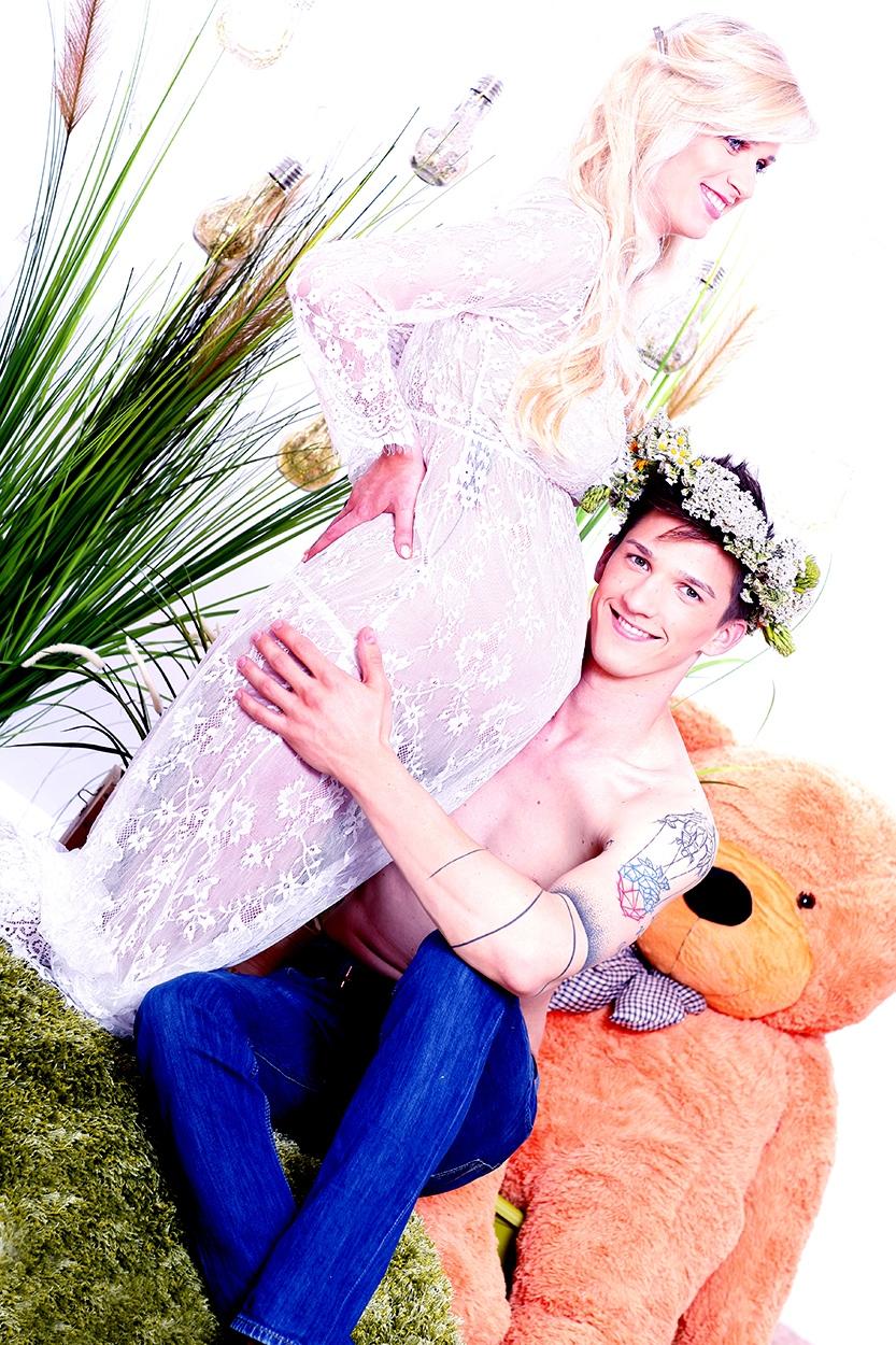 małżeństwo podczas sesji zdjęciowej