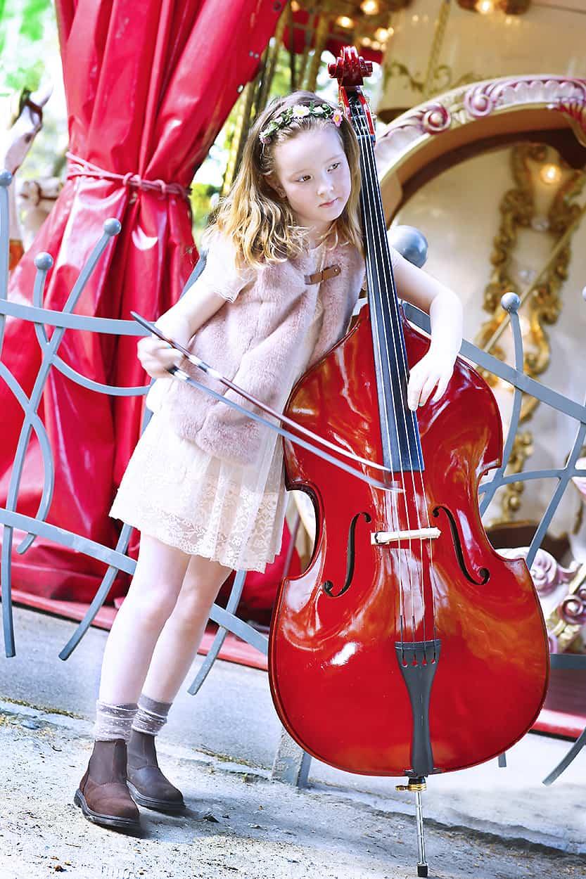 dziewczynka z instrumentem