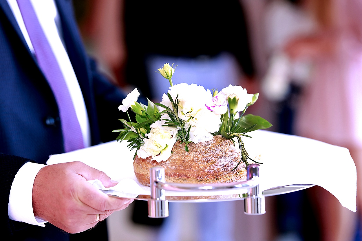 przyjęcie na sali weselnej